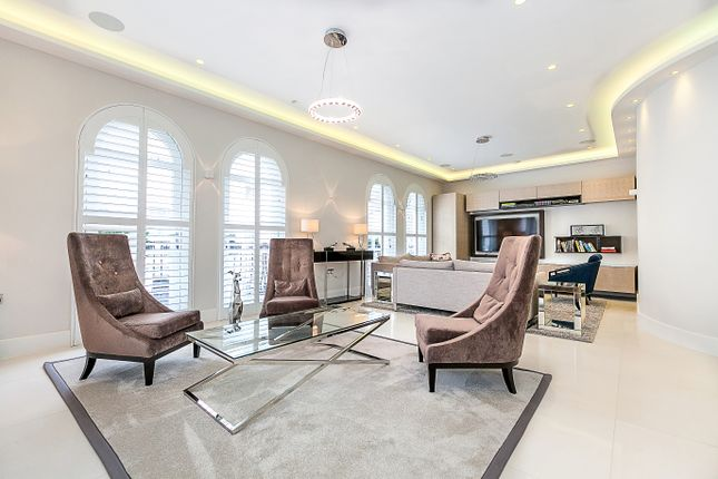 Thumbnail Flat to rent in Westbourne Gardens, Bayswater