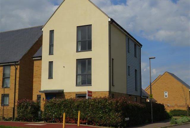 5 bed detached house to rent in Fen Street, Brooklands, Milton Keynes MK10