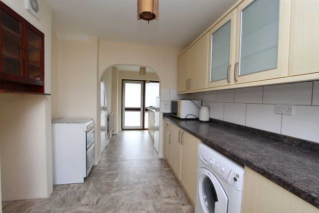 Thumbnail Property to rent in Brownlow Bend, Basildon