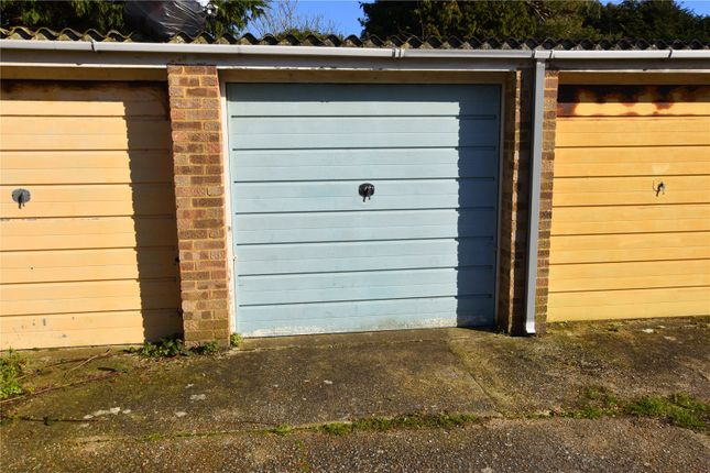 Picture No. 01 of Mulberry Close, Lancing, West Sussex BN15