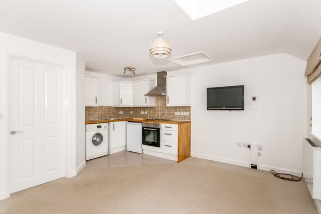 Thumbnail Flat to rent in 3 James Walker Mews Oxfordshire, Witney