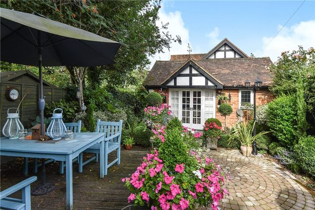 Wexham Cottages Church Lane Wexham Sl3 3 Bedroom End
