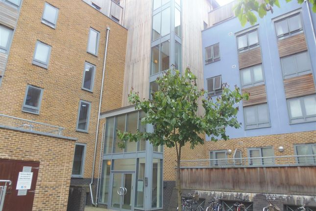 Thumbnail Flat to rent in Quayside Drive, Colchester