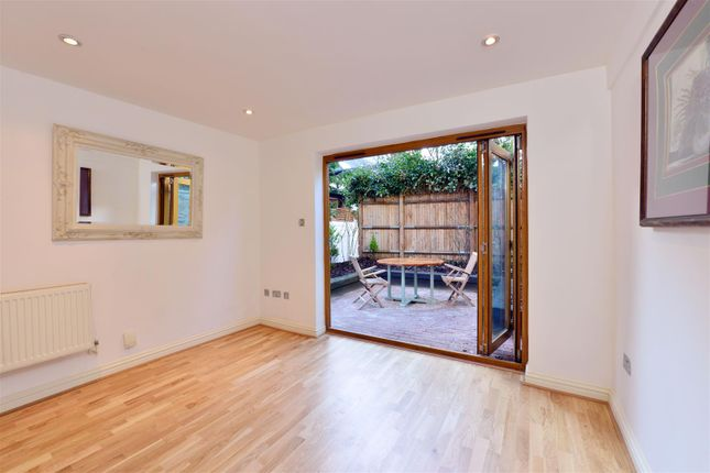 Thumbnail Flat to rent in College Parade, Salusbury Road, London