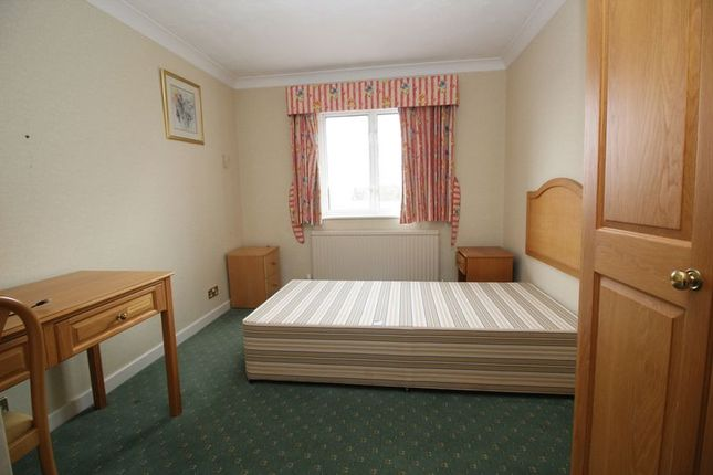 Thumbnail Property to rent in Forest Road, Colgate, Horsham