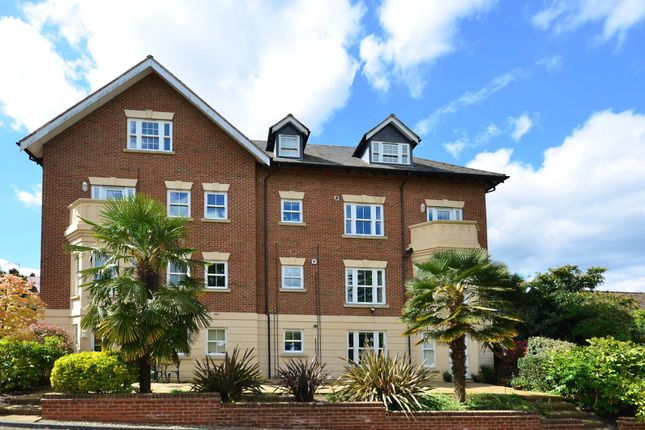 Thumbnail Flat to rent in Albury Road, Guildford