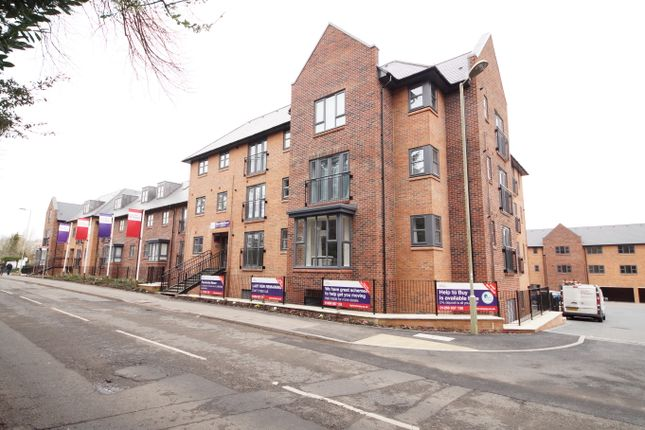 Thumbnail Flat for sale in Station Road, Hook