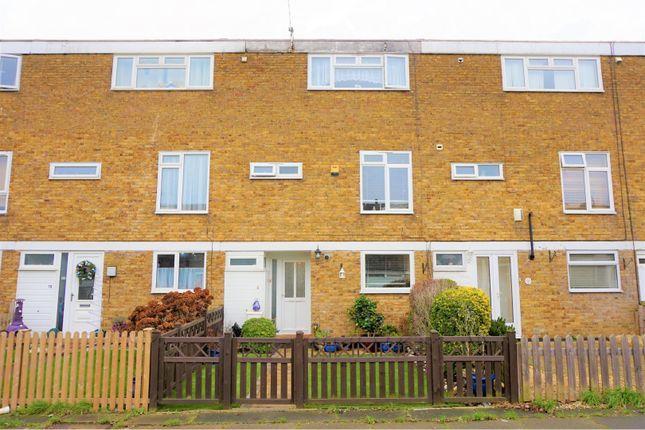 Thumbnail Terraced house for sale in Gladwyns, Basildon