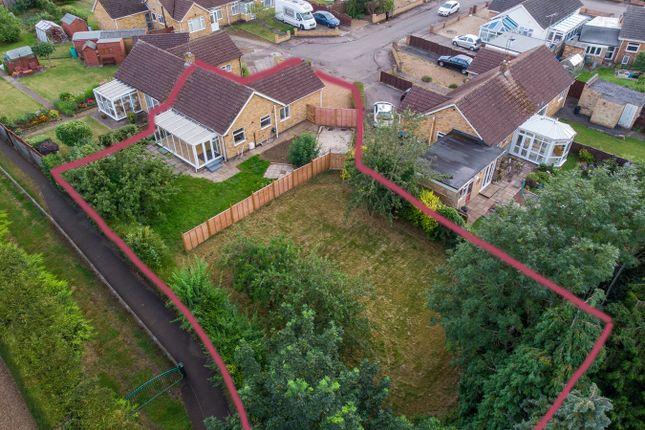 3 bed bungalow for sale in Glebe Close, Hardingstone, Northampton NN4