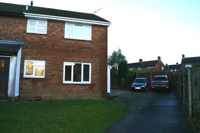 Thumbnail Terraced house to rent in Mortimer Gardens, Tadley