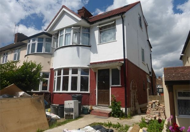Thumbnail End terrace house for sale in Worton Road, Isleworth, Middlesex