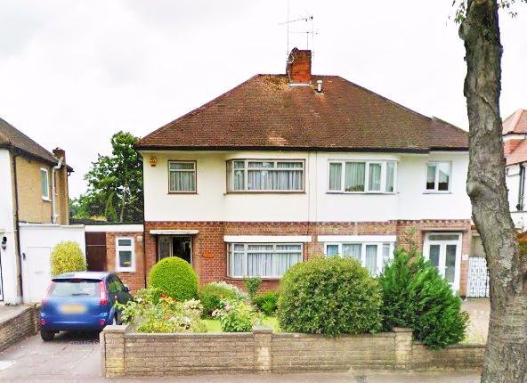 Thumbnail Terraced house to rent in Devoshire Road, Mill Hill East