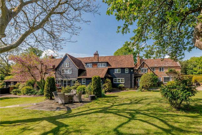 Thumbnail Property for sale in Tower Hill, Chipperfield, Kings Langley, Hertfordshire