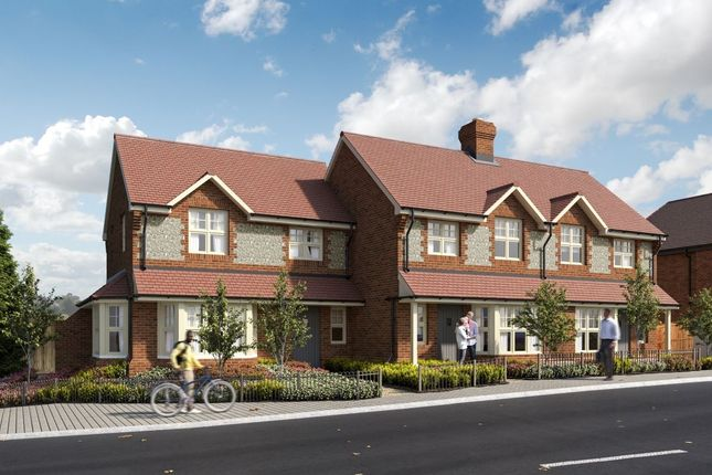 Thumbnail Terraced house for sale in High Street, Downley, High Wycombe