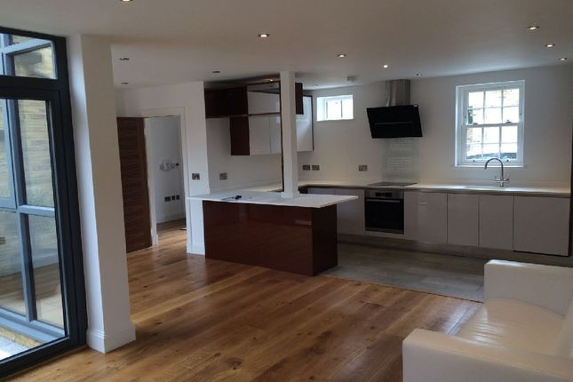 Thumbnail Mews house to rent in Rushgrove Street, London