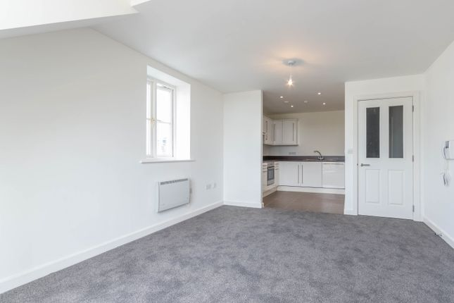Thumbnail Flat to rent in Riverside Place, Kendal