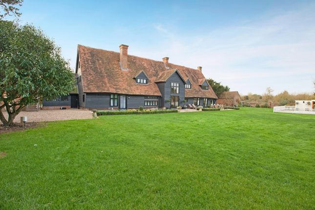 Thumbnail Barn conversion to rent in Lake End Road, Taplow, Maidenhead
