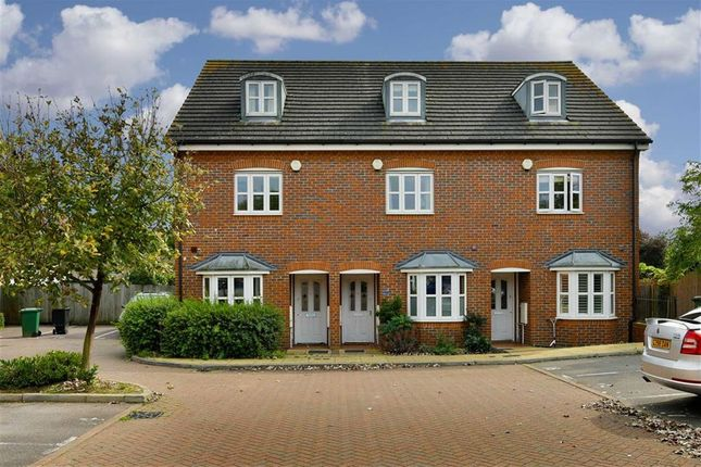 4 bed town house for sale in Silvergate, West Ewell, Surrey
