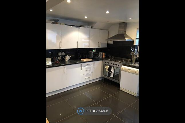 Thumbnail Room to rent in Addison Drive, Middleton, Manchester