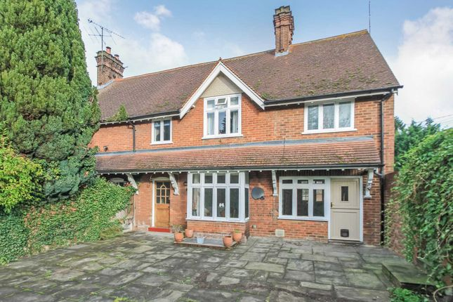 Thumbnail Semi-detached house to rent in Brook Street, Tring