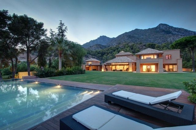 Thumbnail Villa for sale in Milla De Oro, Marbella, Spain