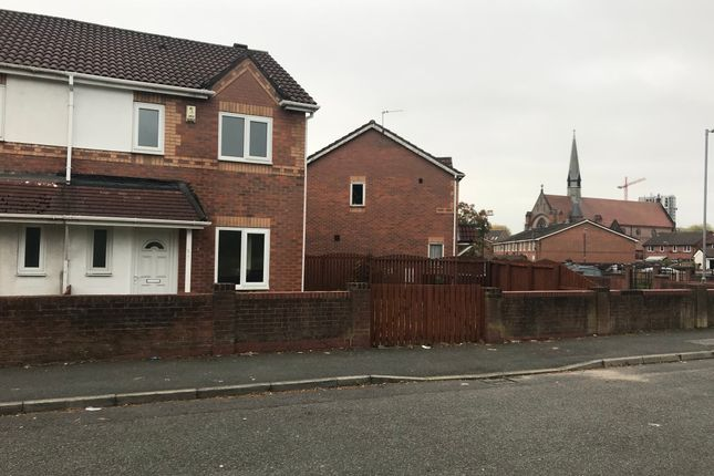 Thumbnail Semi-detached house to rent in West Park Street, Salford