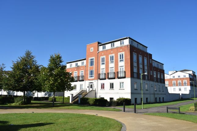 Thumbnail Flat for sale in Mosquito Way, Hatfield