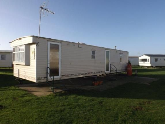 Mobile/park home for sale in Jaywick, Clacton On Sea, Essex