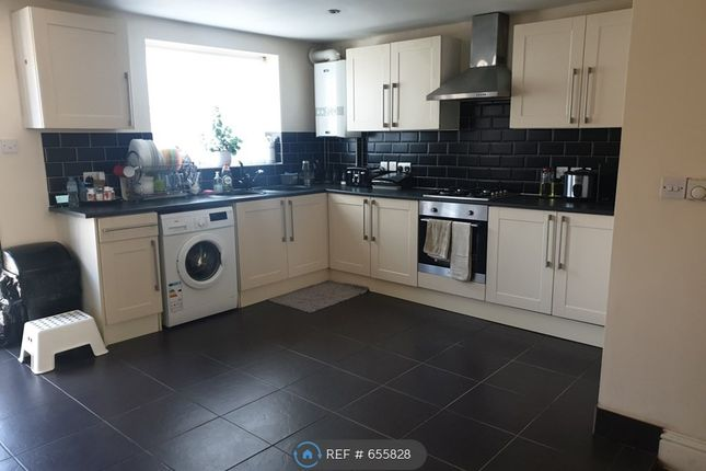 Thumbnail Terraced house to rent in Sunningdale Avenue, Rainham