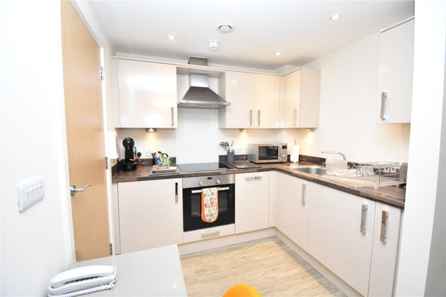 1 bed flat to rent in Central Gate, 41 West Street, Newbury, Berkshire RG14