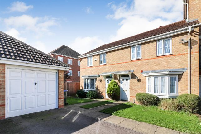 Thumbnail Property for sale in Campion Road, Hatfield