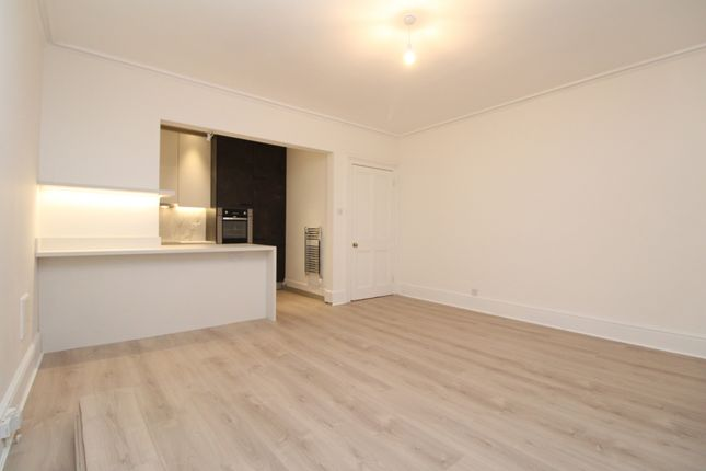 Thumbnail Flat to rent in Crystal Palace Park Road, Sydenham