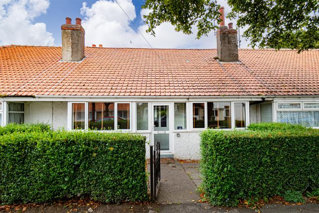 Thumbnail Cottage for sale in Stanley Avenue, Hornsea