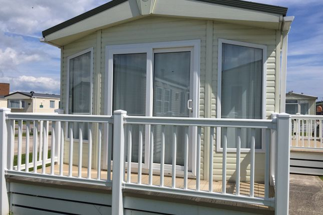 2 bed mobile/park home for sale in Eastbourne Road, Pevensey Bay