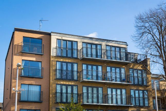 2 bed flat for sale in Tower Mews, London