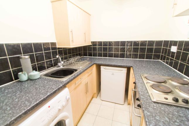 Kitchen of Flat 7, 11 Spring Road, Headingley LS6