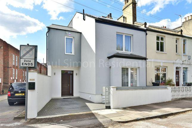 Picture No. 01 of Caversham Road, Harringay, London N15