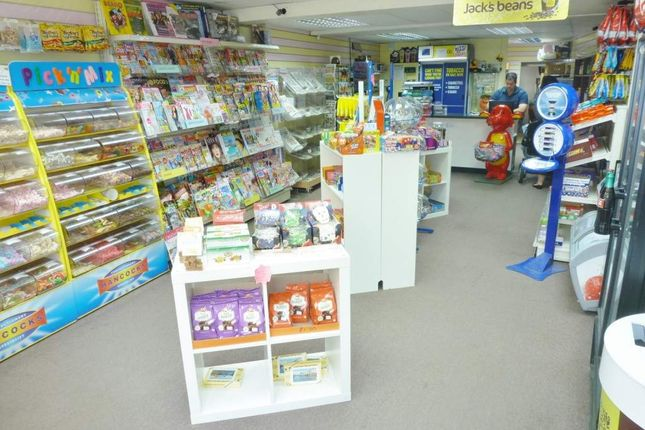 Retail premises to let in Tiverton, Devon