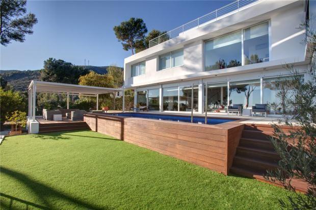 Properties for sale in castelldefels barcelona catalonia for Viviendas en ciudad real