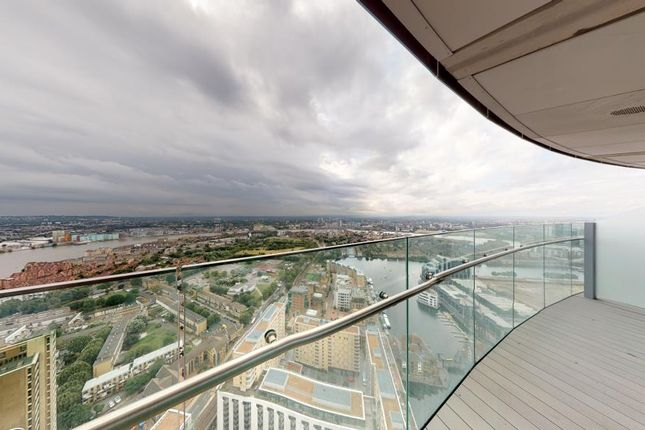 Arean Tower, London E14