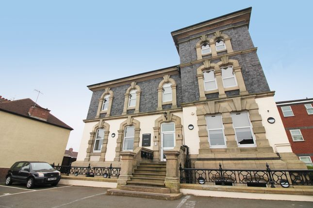 Thumbnail Flat to rent in Cape Road, Warwick