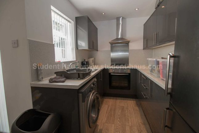 Thumbnail Property to rent in Wallness Lane, Salford