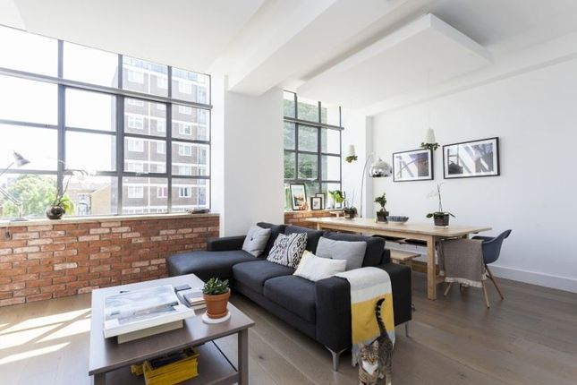 Thumbnail Flat to rent in The Textile Building, Chatham Place, London