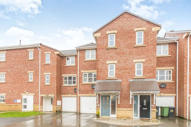 Thumbnail Property to rent in Meadowbrook Court, Morley, Leeds