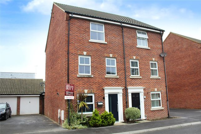 Thumbnail Semi-detached house for sale in Hollist Chase, Wick, Littlehampton