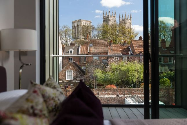 2 bed flat for sale in Bootham Row, York YO30