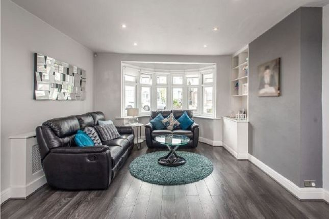 Living Area of Windsor Avenue, Edgware, Greater London. HA8