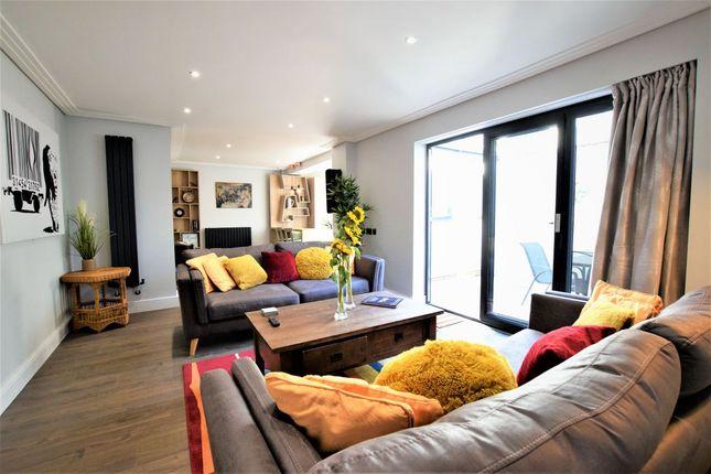 Thumbnail Flat to rent in Princess Victoria St, Bristol