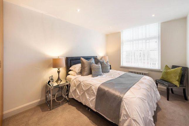 Bedroom of Arthur Court, Notting Hill, London W2