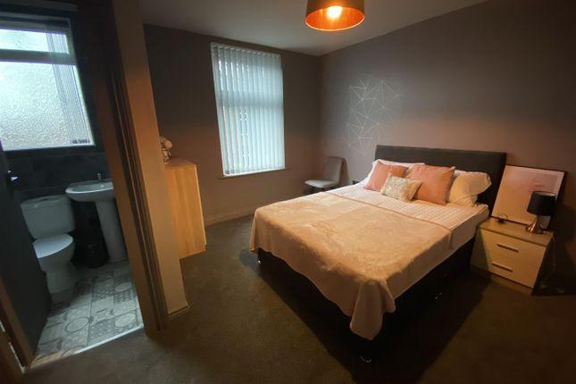 Room Three of Milnrow Road, Rochdale, Rochdale OL16